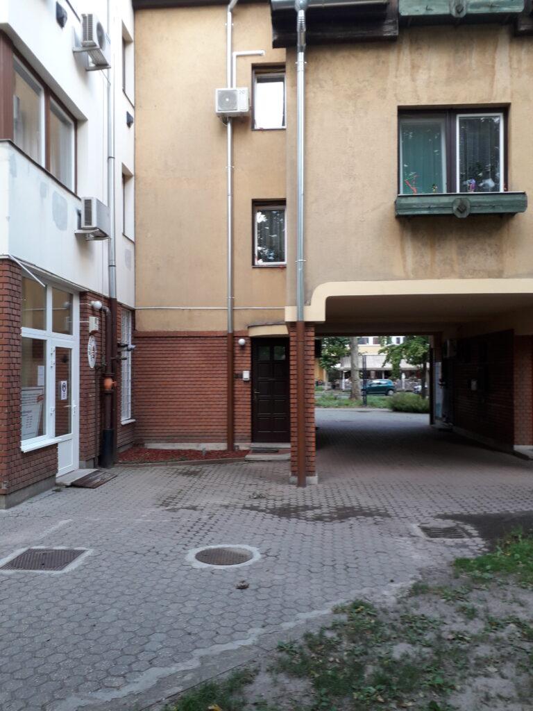 apartman a belső udvar felől